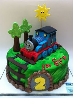 Cool 189 Best Train Cakes Images Cupcake Cakes Thomas Cakes Cake Birthday Cards Printable Benkemecafe Filternl