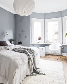 Pretty grey walls