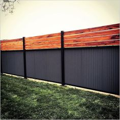 There are three wood privacy fence designs that rank among the top. These include the lattice-top, shadowbox and your basic privacy fence. Cheap Privacy Fence, Privacy Fence Designs, Backyard Privacy, Backyard Fences, Fenced In Yard, Garden Fences, Cheap Fence Ideas, Yard Fencing, Fenced In Backyard Ideas