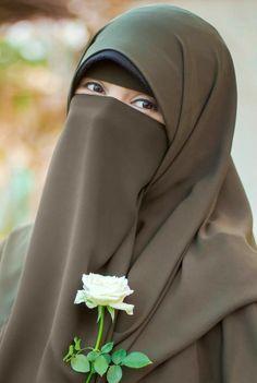 Islamic Girl Pic, Hijab Evening Dress, Hijab Dpz, Niqab Fashion, Stylish Hijab, Hijab Niqab, Muslim Women Fashion, Indian Tv Actress, Hijab Fashion Inspiration