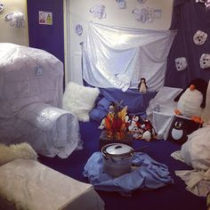 Arctic/Antarctic adventure role play Eyfs Activities, Winter Activities, Activities For Kids, Inuit Igloo, Arctic Habitat, Artic Animals, Role Play Areas, Eyfs Classroom, Polo Norte