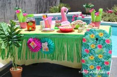 Flamingo Pool Party table for Summer fun Flamingo Party, Flamingo Pool, Summer Pool Party, Pool Parties, Summer Parties, Summer Fun, Mexican Party Decorations, Party Table Decorations, Party Props