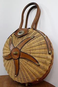 1950 WICKER ROUND BASKET / starfish/ leather от lesclodettes