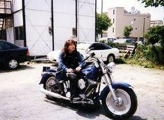 1995のスポーツスターを初めて買って、半年後に福岡のレッドバロンで見つけた買い替えた。当時は知識もなく値段だけで買った。ヘリテイジのファットボーイルック。今思えば事故車のニコイチ車輌だったんだろう。故障の連発でまともに走るまでを考えると当時のEVOの新車が買えたわ。 Motorcycle, Vehicles, Motorcycles, Car, Motorbikes, Choppers, Vehicle, Tools