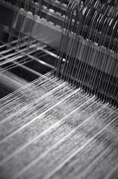 Flannel Chalk stripe in loom #weaving #madeinbritain #details pic.twitter.com/DCGZdgwjIN