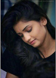 Cute Girl Poses, Cute Girl Pic, Cute Girls, Beautiful Indian Actress, Beautiful Actresses, Hd Photos, Girl Photos, Arabian Makeup, Indian Wedding Photography Poses