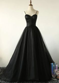 Ball Gown Spaghetti Straps Black Tulle Prom Dress Long Brush/Sweep Train Prom/Evening Dress by olesaweddingdresses, $141.65 USD Long Party Gowns, Black Party Dresses, Black Wedding Dresses, Dress Black, Prom Dresses Black Long, Vintage Prom Dresses, Sweetheart Prom Dress, Tulle Prom Dress, Gown Dress
