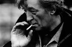 Photographers Gallery - Robert Mitchum - Holland by Terry O'Neill (© Terry O'Neill)