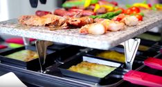 Best Raclette Grills for Healthy and Delicious Meals Local Deals, Kitchen Essentials, Dinnerware, Yummy Food, Delicious Meals, Wine, Dining, Chicken, Cooking
