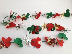 Last Trending Get all diy disney christmas decorations Viral mickey tree garland Disney Christmas Crafts, Disney Christmas Decorations, Mickey Christmas, Disney Crafts, Christmas Projects, Christmas Fun, Holiday Crafts, Disney Holidays, Spring Crafts