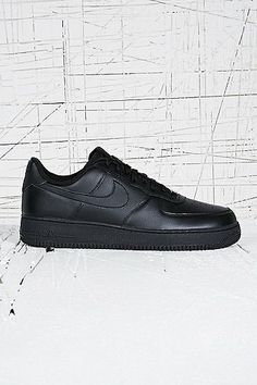 Nike Air Force 1 Low Leather Trainers in Black