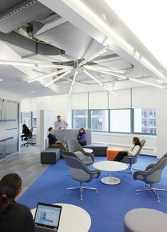 JetBlue Airlines has let us take a peek at the inside of their offices. These are the JetBlue Offices, a series of spaces that managed to capture the Office Space Design, Workplace Design, Basement Lighting, Office Lighting, Lighting Ideas, Chair Design, Furniture Design, Blue Office, Linear Lighting
