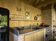 Cottage buitenkeuken   Bogarden Pool House, House, Home, Kitchen Cabinets, Outdoor Living, Residential, Garden Buildings, Kitchen, Built In Braai