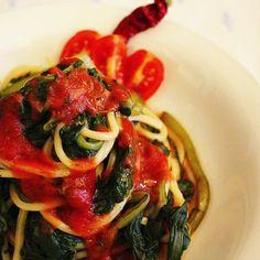 Spaghetti con bietole e salsa di pomodoro! ❤