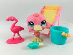 Littlest Pet Shop Cute Pink Duck #1923 w/Green Eyes, Beach Chair & Accessories #Hasbro