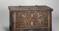 Small Chest Decorated with Animals and Birds Northern Italy, 15th century 15th century Wood (cedar) and pastes Dimensions 45x74x35 cm H...