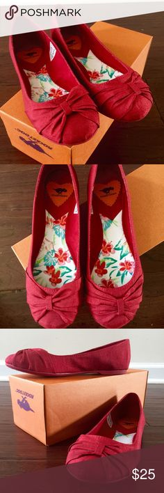 Rocket Dog •BRAND NEW• size 6.5 silk flats • Firm Red Color • Rocket Dog • BRAND NEW • silk flats • Rocket Dog Shoes Flats & Loafers