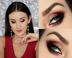 Znalezione obrazy dla zapytania makijaż wieczorowy z kolorem Poses, Makeup Art, Beauty Hacks, Beauty Tips, Make Up, Hair Beauty, Lipstick, Wedding, Embroidery Dress