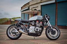 "Yamaha Cafe Racer ""The Widow Maker"" by Old Skool Customs Bmw Cafe Racer, Estilo Cafe Racer, Moto Cafe, Cafe Racer Style, Cafe Racer Build, Cafe Racer Motorcycle, Motorcycle Design, Bobber Custom, Custom Motorcycles"