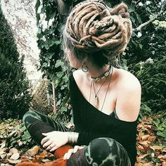 Hair Care Tips That You Shouldn't Pass Up – Hair Extensions Remy Dreadlock Rasta, Dreadlock Styles, Dreads Styles, Dreadlock Hairstyles, Cool Hairstyles, Black Hairstyles, Wedding Hairstyles, Dread Bun, Natural Dreads