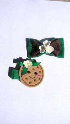 Add more cookie cuteness on booth sale days!    girl scout cookie and bow hair clips.. $5.49, via Etsy.