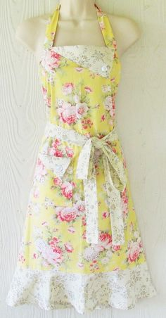 PLUS SIZE Apron, Retro Floral Apron, Yellow, Cottage Chic, Roses, Vintage Style, Country Kitchen, KitschNStyle Dressed up and kitchen ready! This vintage style full apron is a beautiful floral print of cottage roses on a butter yellow background. A dainty ecru floral print highlights