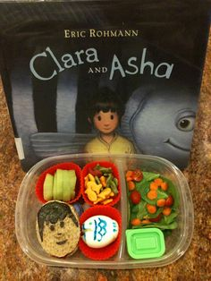 preparing bento lunch box for kid, inspired from the theme of story book that you read for your child's bedtime story. Very interesting way to motivate kids to try out all kinds of food :)