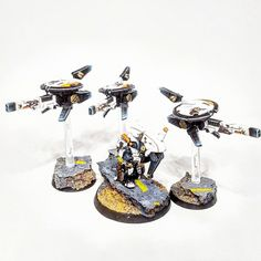 Tau Drone Sniper Team - Titan Miniatures Painting Tau Drones, Tau Army, Tau Warhammer, Tau Empire, Color Pallets, Geek Stuff, Apocalypse, Diorama, Modeling