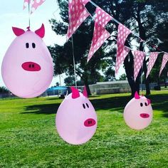 Pig balloons very easy. Barnyard Party, Pig Party, Farm Party, Pig Balloon, Balloon Crafts, Girls 3rd Birthday, Farm Birthday, Birthday Decorations, Birthday Party Themes