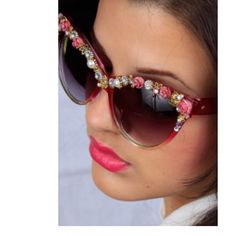 Vintage inspired cateye sunglasses by Terri Kay.  Order yours today! Terrikay online.com