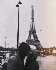 couple goals ✨ uploaded by almendra on We Heart It Relationship Goals Pictures, Couple Relationship, Cute Relationships, Relationship Quotes, Couple Goals, Cute Couples Goals, Photo Couple, Love Couple, Paris Photography