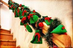 Zabradli-OK2 Christmas Wreaths, Christmas Tree, Origami, Holiday Decor, Home Decor, Cats, Teal Christmas Tree, Decoration Home, Room Decor