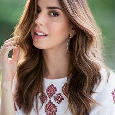 Camila Coutinho, do @gestupidas, fala tudo sobre como cuida de seu cabelo nesse tutorial de beleza.