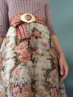 Skirt Fashion, Fashion Outfits, Womens Fashion, Dress Up Boxes, Vintage Inspired Dresses, Vintage Textiles, Pattern Mixing, Classy And Fabulous, Fashion Plates