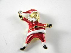 Cute Santa Claus Pin with Red and white enamel Vintage Jewelry