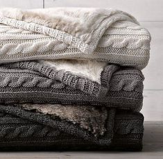Knitted blankets that are faux fur or fleece lined! (keep.com)