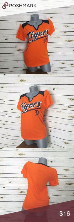 "Detroit Tigers Orange MLB XS Short Sleeve V-Neck Campus Lifestyle Detroit Tigers Size: XS Approximate measurements laying flat Underarm to underarm--14.5"" Shoulder to hem--24"" Campus Lifestyle Tops Tees - Short Sleeve"
