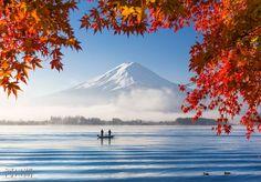 富士山と秋の霧(Fujisan and Autumn Mist)  @ Kawaguchiko, Yamanashi, Japan