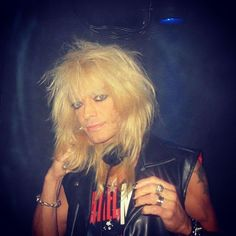 Good nite, this must be one of the sweetest I have  #496 #michaelmonroe #ihanamichael #myhero #puregold #mylovemylightmyrocknroll #satuthecrazyfangirl #2011 #clubencorekouvola