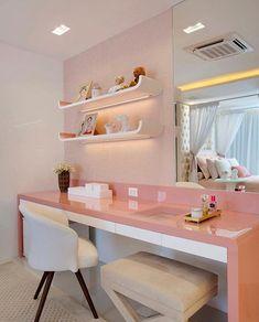Cantinho para estudo make e bijus daquele quarto que foi um sucesso por aqui. Amei! Projeto Claudia Pimenta e Paty Franco - |Me acompanhe também no @pontodecor e @maisdecor_ - www.homeidea.com.br Face: /homeidea Pinterest: Home Idea #homeidea #arquitetura #ambiente #archdecor #archdesign #projeto #homestyle #home #homedecor #pontodecor #homedesign #photooftheday #interiordesign #interiores #picoftheday #decoration #maquiagem #revestimento #decoracao #architecture #archdaily #inspiration…