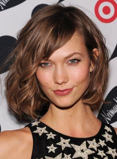 Pin for Later: 30 Celebrity Lob Looks to Inspire Your Spring Haircut Karlie Kloss