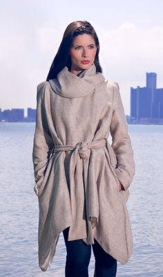 I am in love with Fotoula Lambros - ethical fashion designer from the heart of Michigan. Her pieces are gorgeous. #eco #fashion via Magnifeco #fashiontakesaction