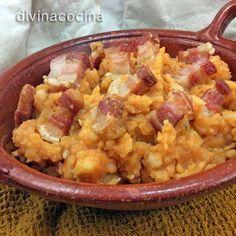 Potatoes with bacon Portuguese Recipes, Italian Recipes, Tapas, Mezze, Spanish Dishes, Slow Food, Appetisers, Savoury Dishes, Mediterranean Recipes