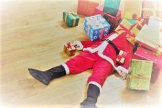 simple, practicle interior design and homemaking Homemaking, Elf On The Shelf, Farmhouse, Glitter, Interior Design, Holiday Decor, Home Decor, Nest Design, Homemade Home Decor