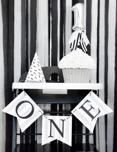 Bear Bear's First Birthday – Stunning black and white details at this little boy's first birthday party!