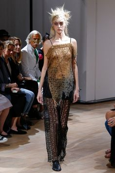 See the complete Yohji Yamamoto Spring 2015 Ready-to-Wear collection.