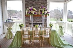 This modern garden purple and green styled wedding shoot was designed with the elegant and modern bride in mind as realistic real wedding inspiration.