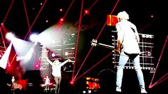 Niall and Jagger, Jr - OTRA Tour - 2/27/15