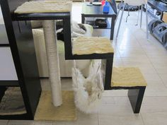 IKEA Hackers: Bookcase with scratching post and hammock