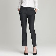 Love, love, love this trouser. I wonder how it would look on a curvy girl though.